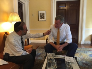 Mayor DeBlasio interviewed by Leon Goldenberg