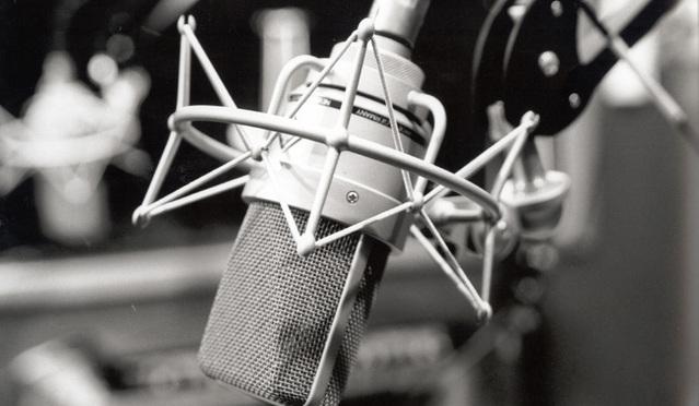 microphone-1461544-639x464